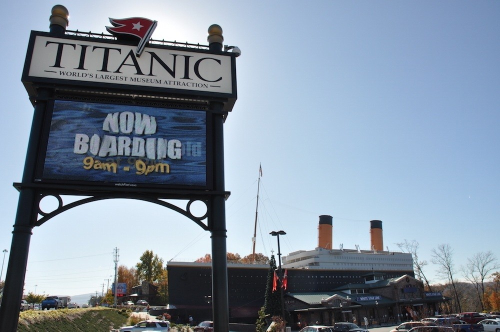 Titanic attraction sign